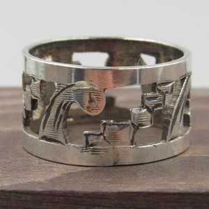 Jewelry - Size 8.5 Sterling Silver Unique Pattern Wide Band
